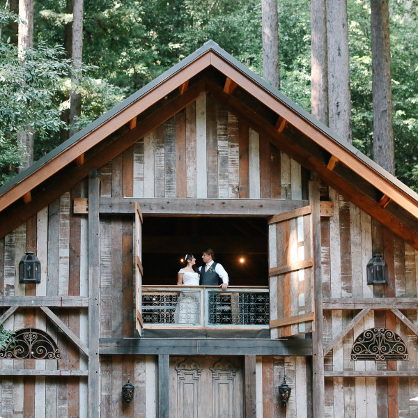 Into the Redwoods | Stones and Flowers Wedding